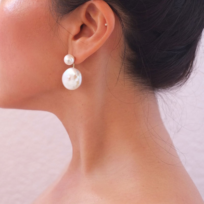 Tomber Amoureux CASABLANCA White Baroque & Soufflé Pearl Earring